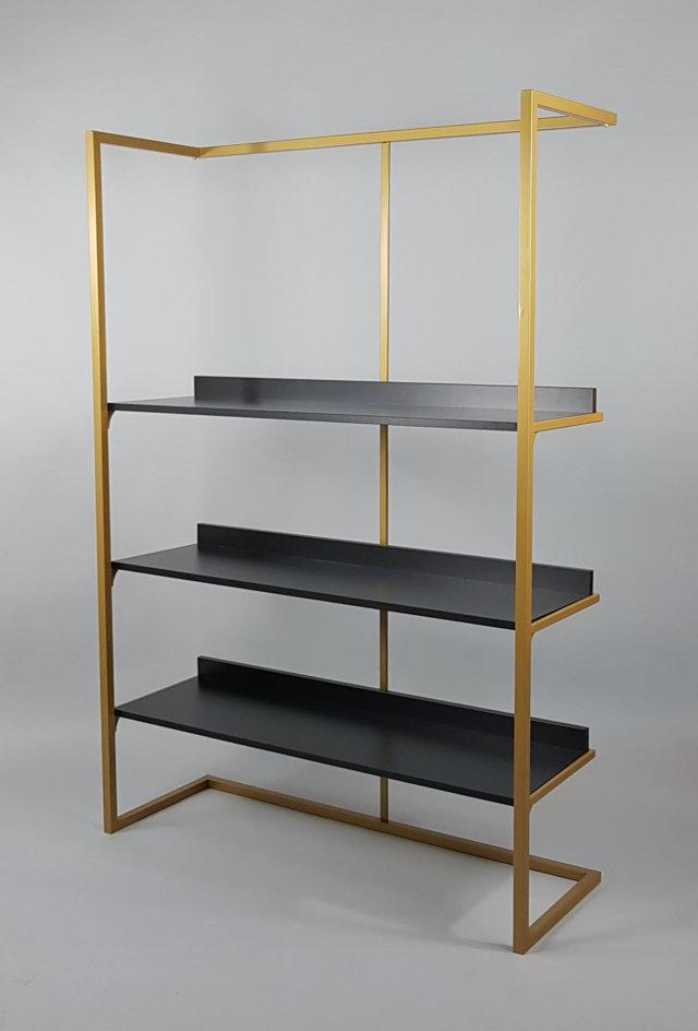 Espositore per negozi in ferro e legno con piani spostabili in altezza