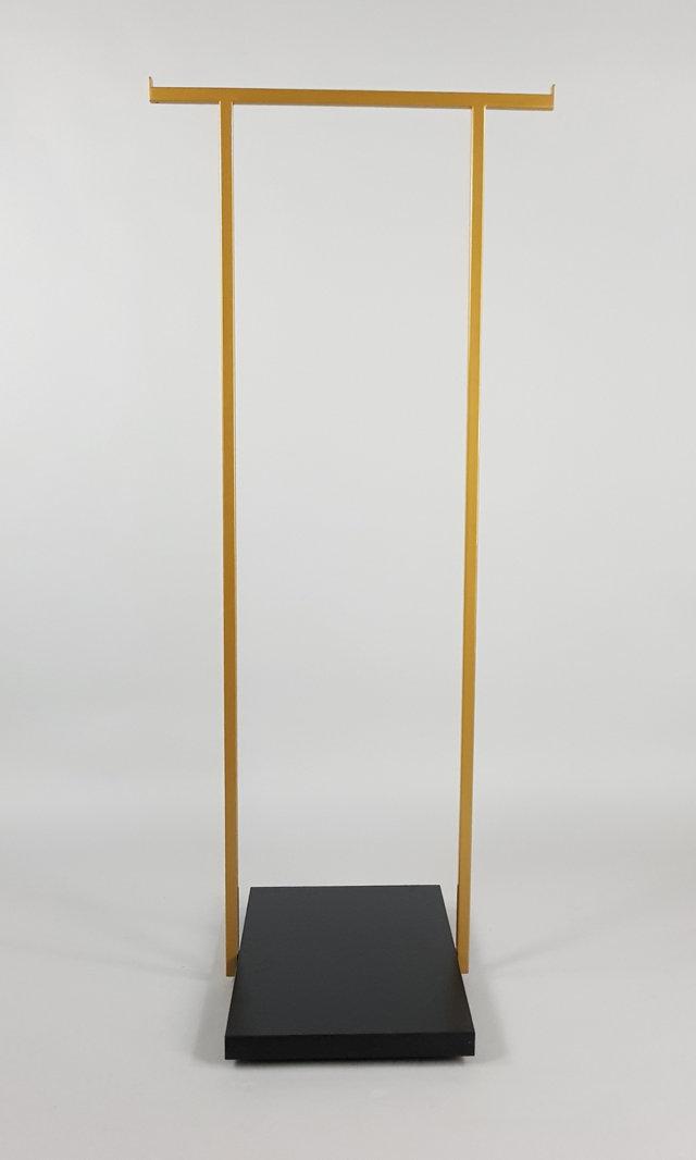 stender appendiabiti in ferro e base in legno